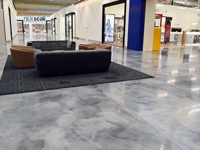 Interior of shopping centre featuring resin flooring