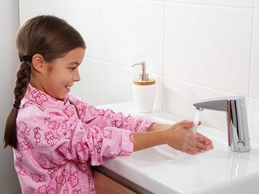 The most effective form of handwashing is through soap.