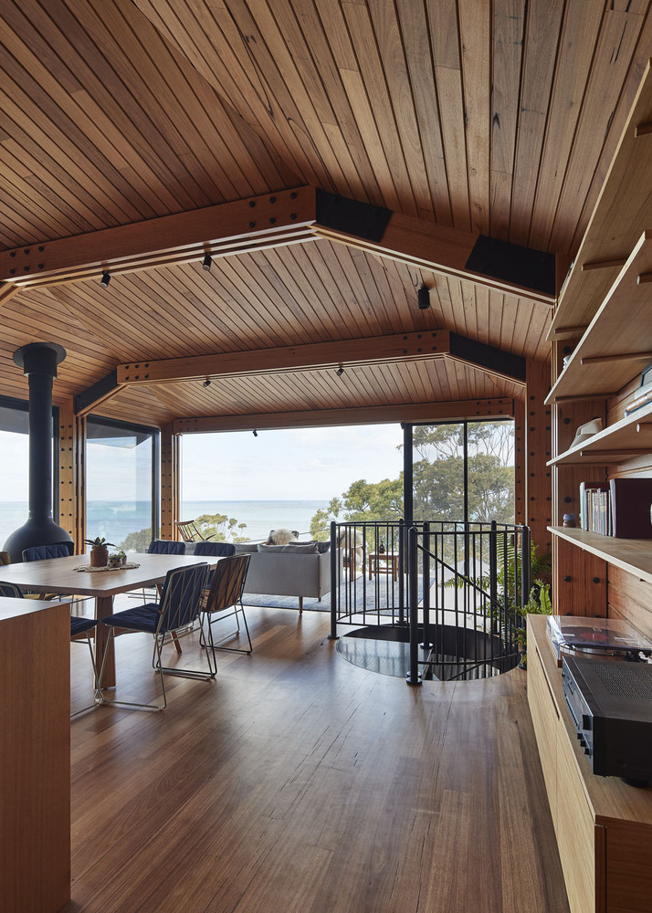 timber box addition brings ocean views to a victorian beach shack architecture and design. Black Bedroom Furniture Sets. Home Design Ideas