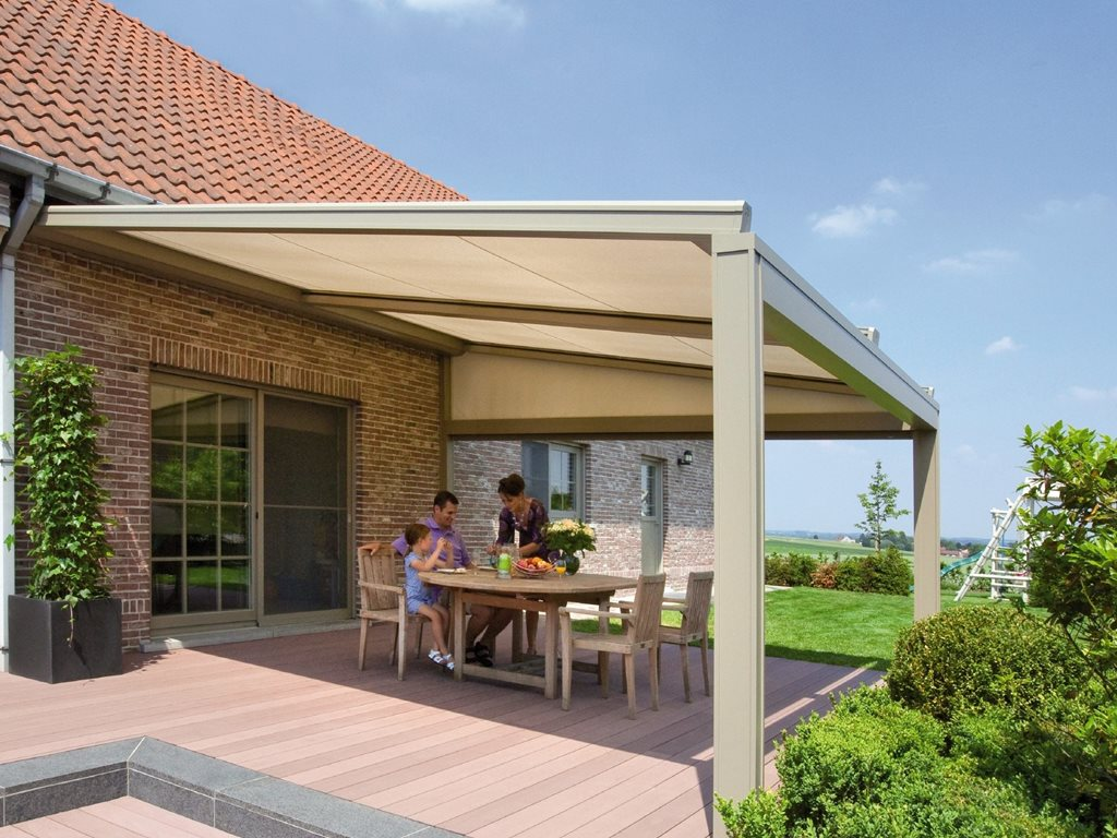 Renson Lapure & Lagune: minimalistic terrace covers with a water-resistand sunprotection roof screen