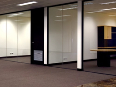 Multiglaze Glazed Aluminium Partitioning System for a Versatile Office Environment l jpg