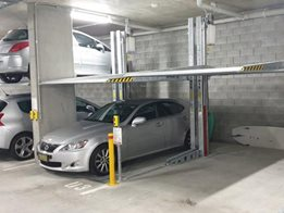 Bipark: Car stacker without a pit