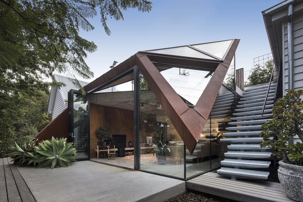 Abstracted Floating Roof Covers A Heritage Dwelling In Leaf House Architecture And Design
