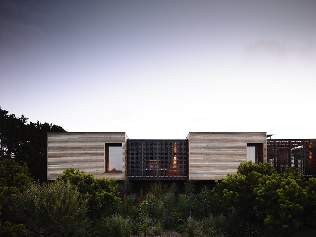Five key aspects for coastal beach house designs | Architecture And ...
