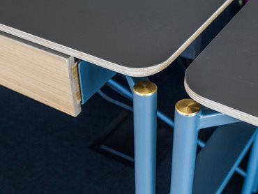 Each piece had the same look and feel, with tubular steel legs and brass caps complementing Polaris' matt black surface