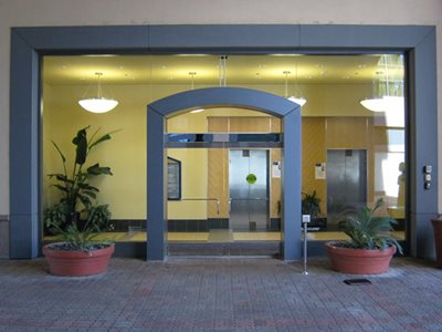 Hotel lobby entrance with swing door system
