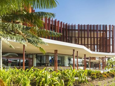 The design of the Cairns Performing Arts Centre responds to the city's dramatic tropical setting