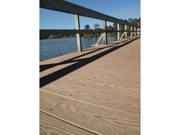 Urbanline Offers Choice and Quality in Decking l