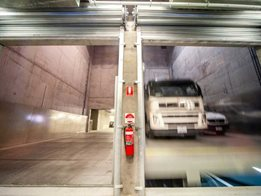 Heavy commercial vehicle lifts