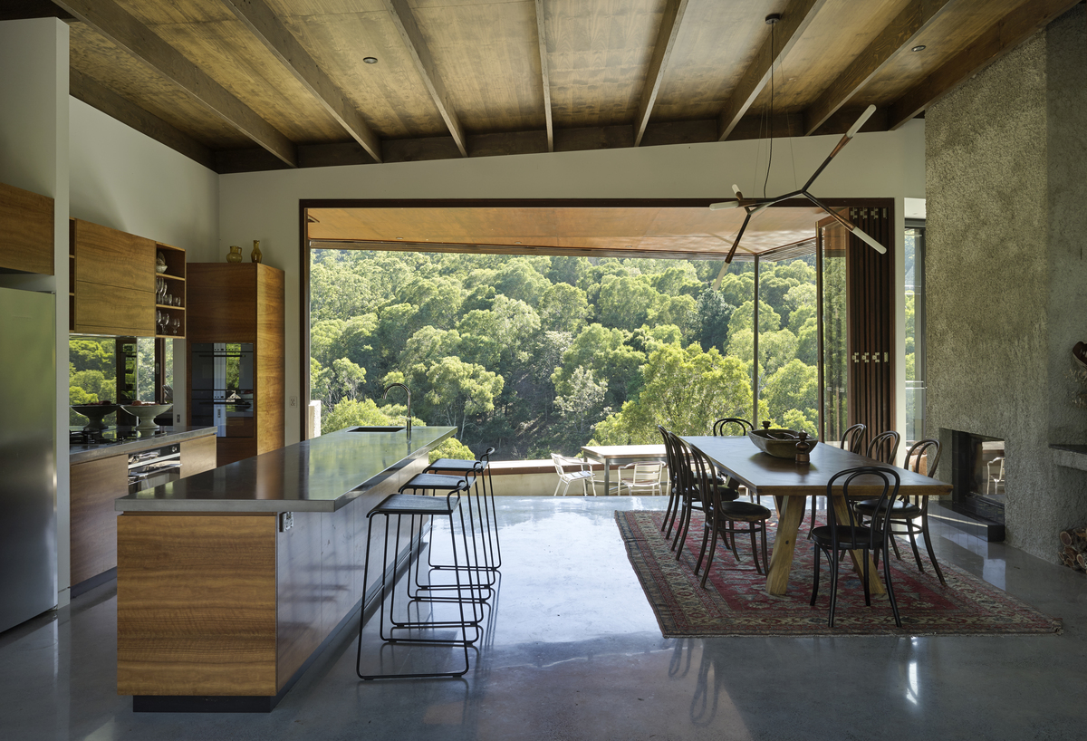 The family home designed for relaxed, subtropical living ... on Hhh Outdoor Living id=14765