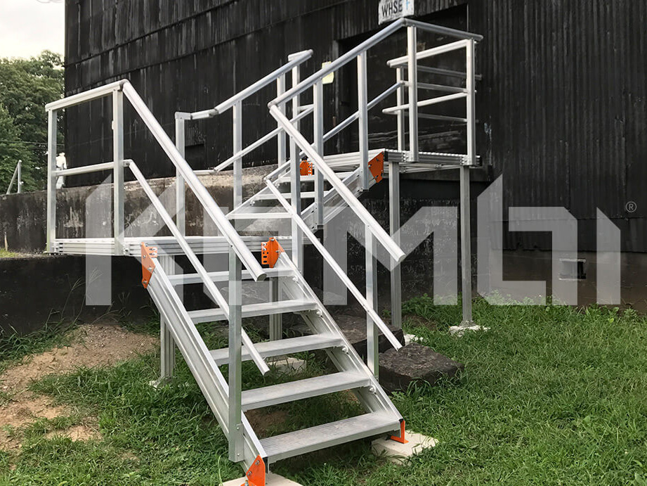 Kombi Stairs & Platforms by Sayfa Group