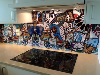 Patterned DecoSplash Kitchen Interior