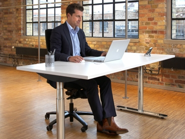 LINAK DESKLINE Sit and Stand Desks An Ergonomic Solution for a Modern Office l jpg