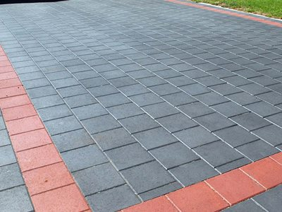 Detailed image of coloured stone pavers