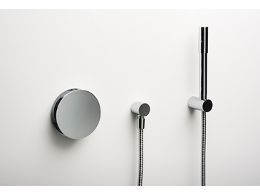 Latitude shower mixer with hand shower set