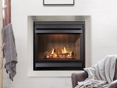 Schots Kalfire gas fireplace in white living room interior
