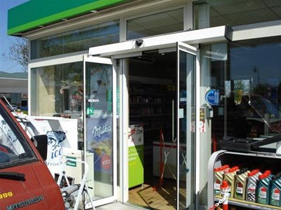 Entrance of convenience store with sliding door system