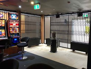 Expandable shutters at Kurri Kurri Bowling Club