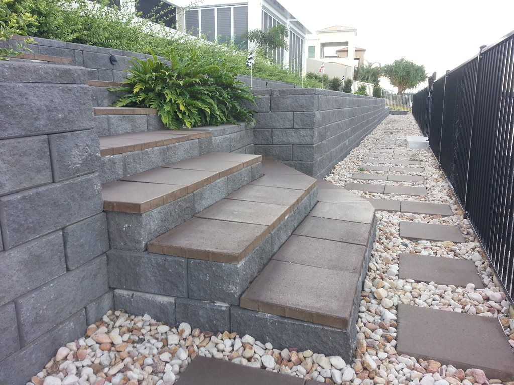 Modernstone Retaining Wall by National Masonry A Smart