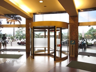 Auto Ingress automatic revolving doors