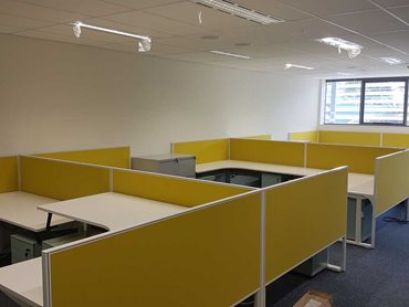 Connect 30 privacy screens in yellow