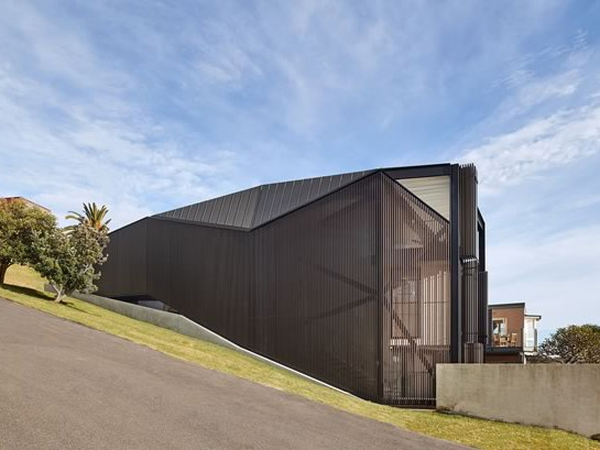 Coogee House by Chenchow Little is one of the 15 residential projects in the running for the 2017 People's Choice Award. Image: Chenchow Little
