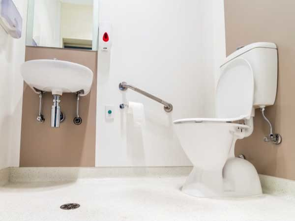 The ensuite featuring Altro safety flooring