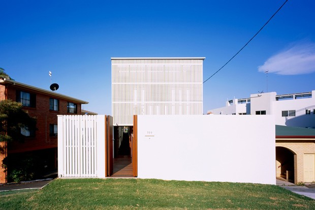 Shipping container house wins major architecture award for sunshine coast qld 2014 - Container homes queensland ...