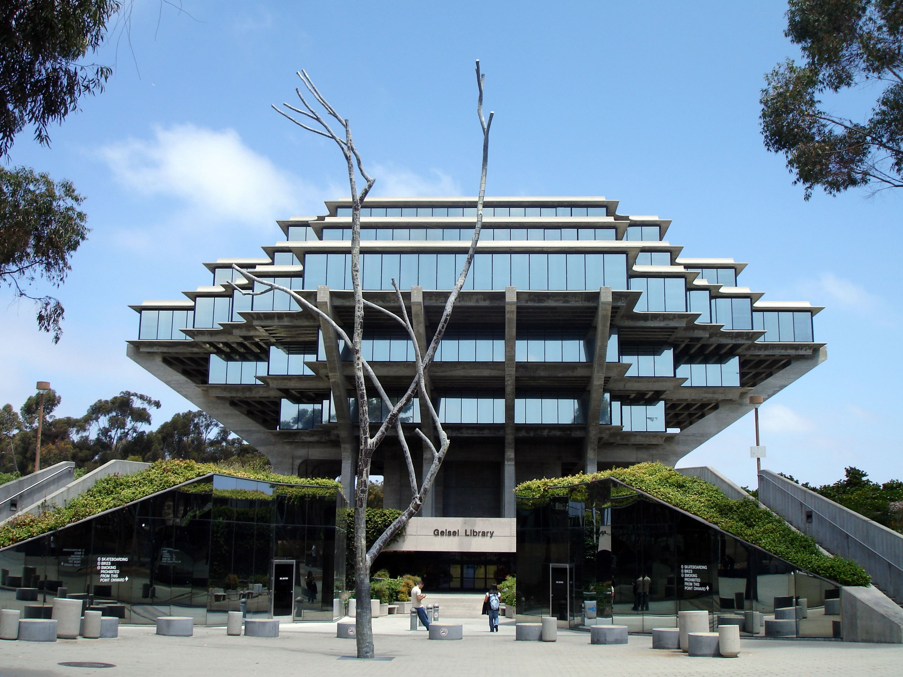 Brutalist Architecture: What is Brutalism? | Architecture & Design