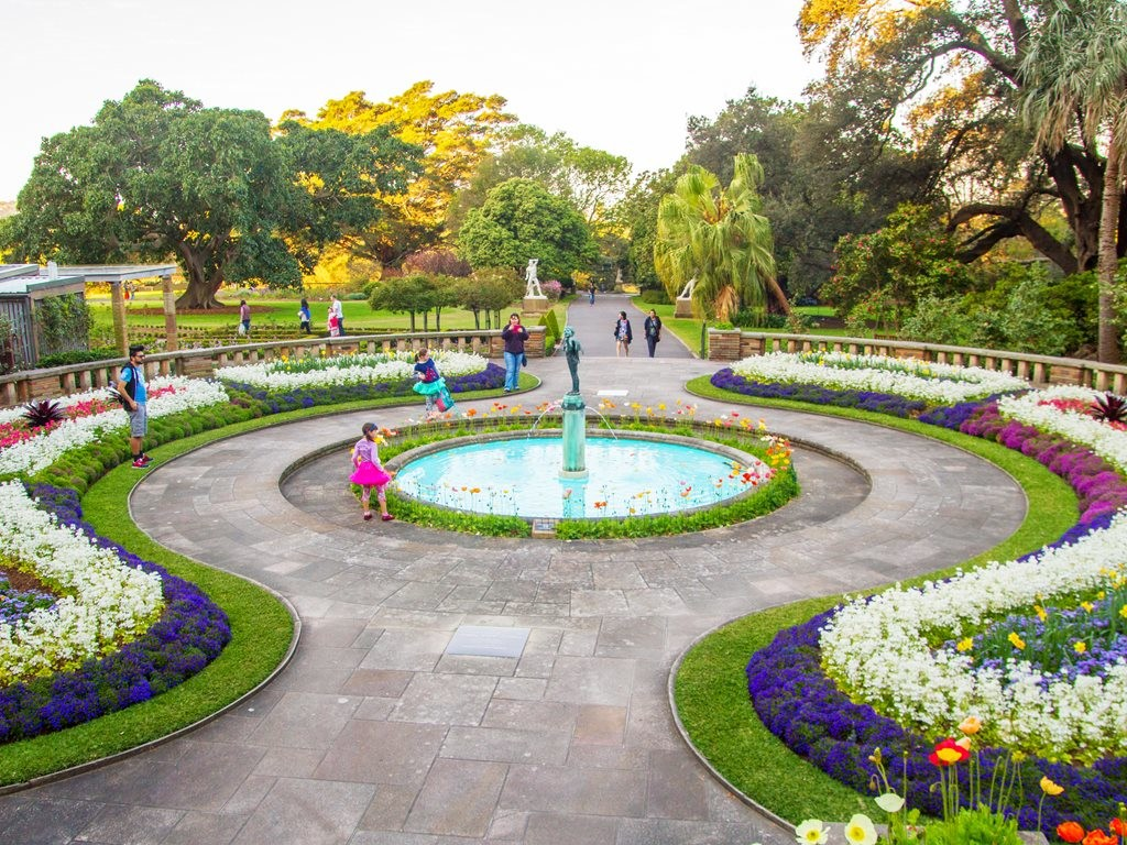 Australia's leading landscape architects and designers will explore private gardens, cutting-edge contemporary design, and commercial projects that enhance how we live as an urban community seeking interaction with nature. Image: Royal Botanic Garden Sydney
