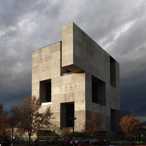 Monolithic Concrete Box Trumps Sydney S Living Fa 231 Ade At