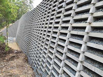 Reedy Creek Location Uses Geogrid Reinforced Retaining