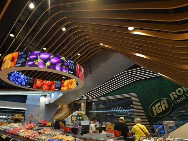 IGA Romeo's Food Hall is an excellent example of SUPAWOOD's design and construct service ability (Photography JadaArt)
