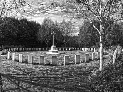 Hedge Row Trench Cemetery, Ypres (Tim Fox-Godden, 2016)