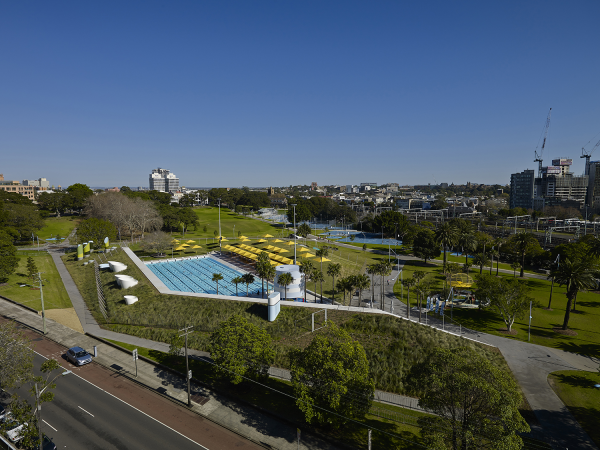 Australia s best new urban design a sydney pool and a new for Landscape design courses sydney
