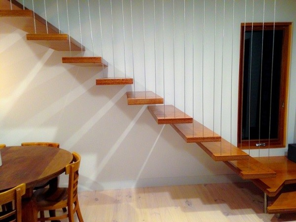 Vertical wires can also be used on staircase sections to create a dramatic statement balustrade.
