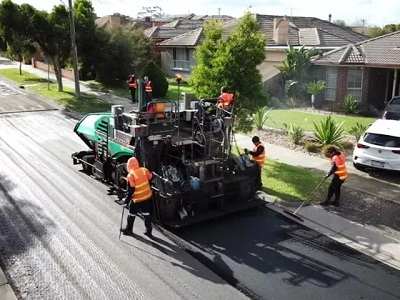 Working in collaboration with infrastructure company Downer as well as resource recovery and recycling companies, Close the Loop and RED Group, the Council has begun a project to build a 300m stretch of road using 200,000 plastic bags, packaging material, and 63,000 glass bottles.  Image: Close the Loop