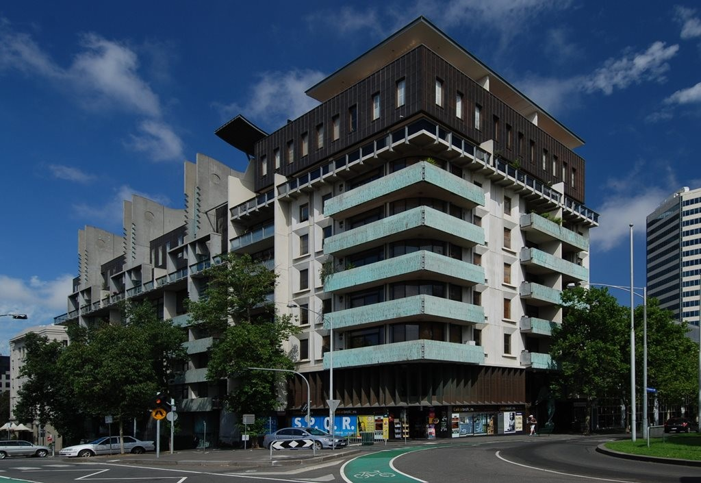 Melbourne Terrace Apartments by architect Nonda Katsalidis is considered a yardstick for multi-residential design in Victoria. Image: Wikipedia
