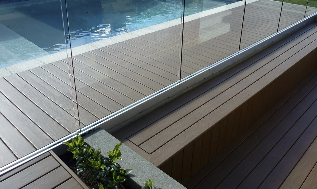 Composite and plastic decking product in review for Plastic decking boards