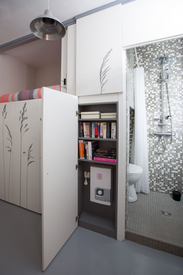 Life in small rooms 5 micro apartments and how they fit for Chambre de bonne