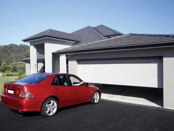Merlin's campaign urges Australian builders and designers to ensure they install compliant garage door openers