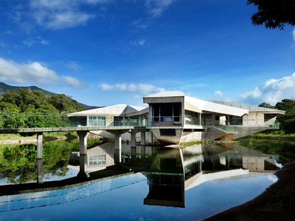 Five impressive australian buildings showcase potential of for Precast concrete home designs