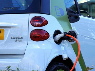 Is this magic 'liquid battery' the future of electric cars?