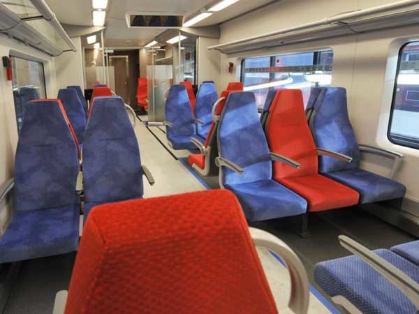 Altro Transflor safety flooring installed in Siemens' Desiro RUS series trains
