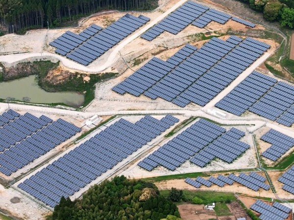 Part of a completed solar project on an old golf course in the Miyazaki prefecture. Image: Kyocera. Source: Quartz