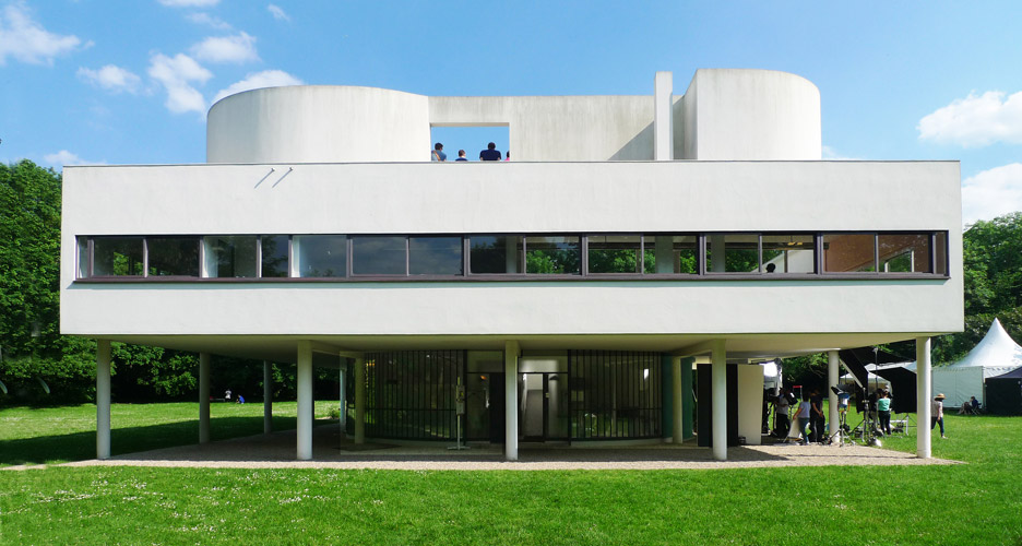 Villa-Savoye-near-Paris-France_Le-Corbusier_UNESCO_Flickr-august-fischer_dezeen_936_0-1.jpg