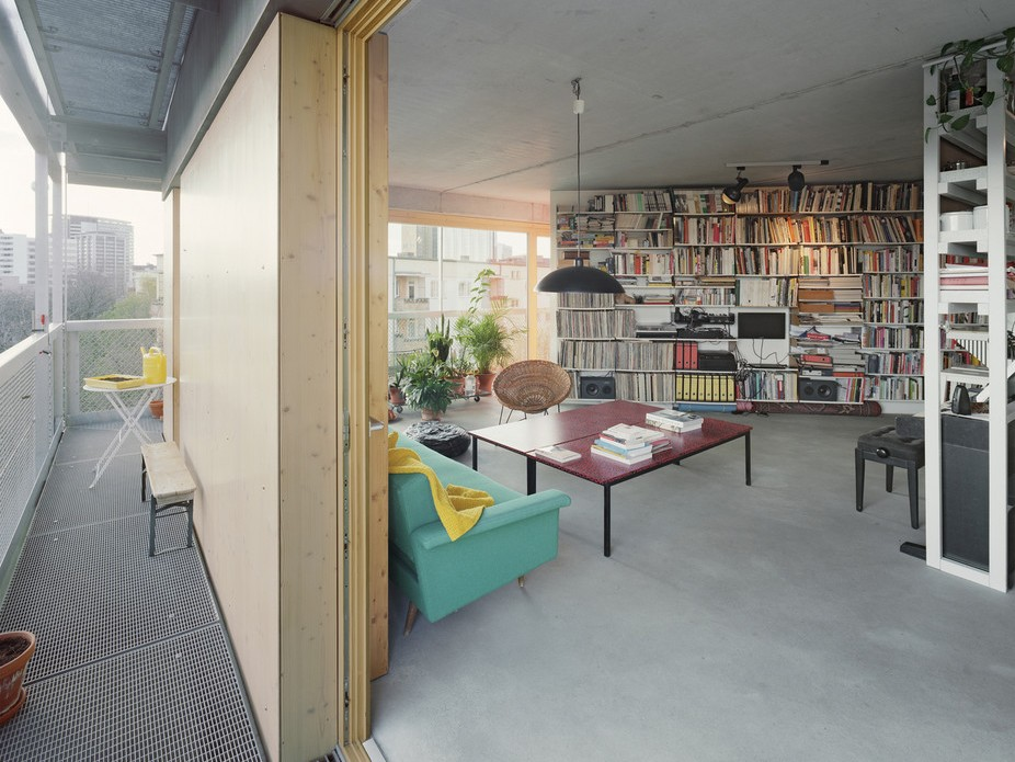 Appartment layouts at Ritter Strasse 50, initiated by ifau and Jesko Fezer with Heide and Von Beckerath, are highly individualised. Photography by Andrea Kroth