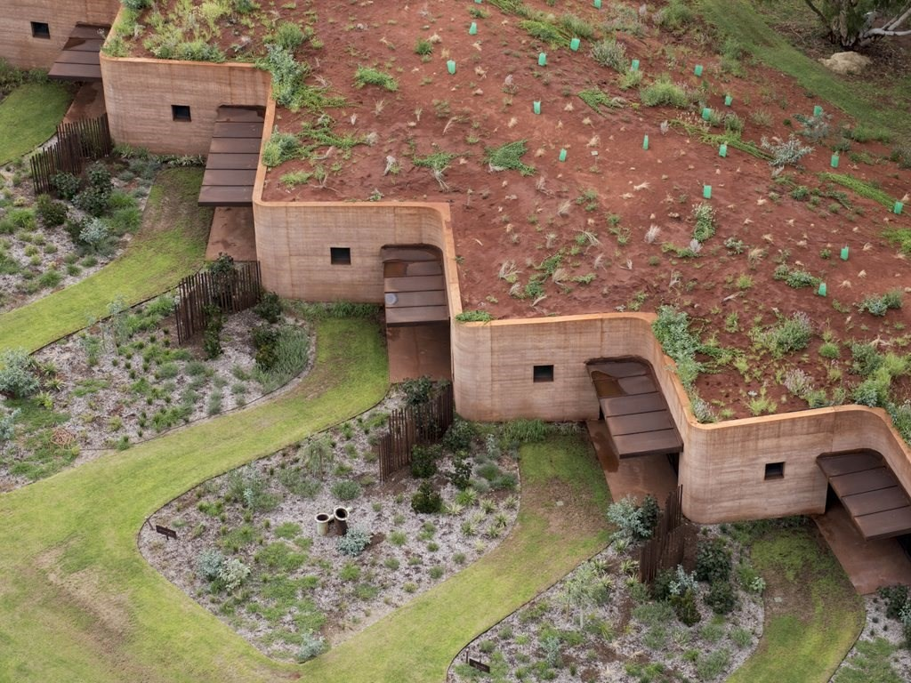 The Musterers' Quarters, Western Australia by Luigi Rosselli features the longest rammed earth wall in Australia. Photography by Edward Birch