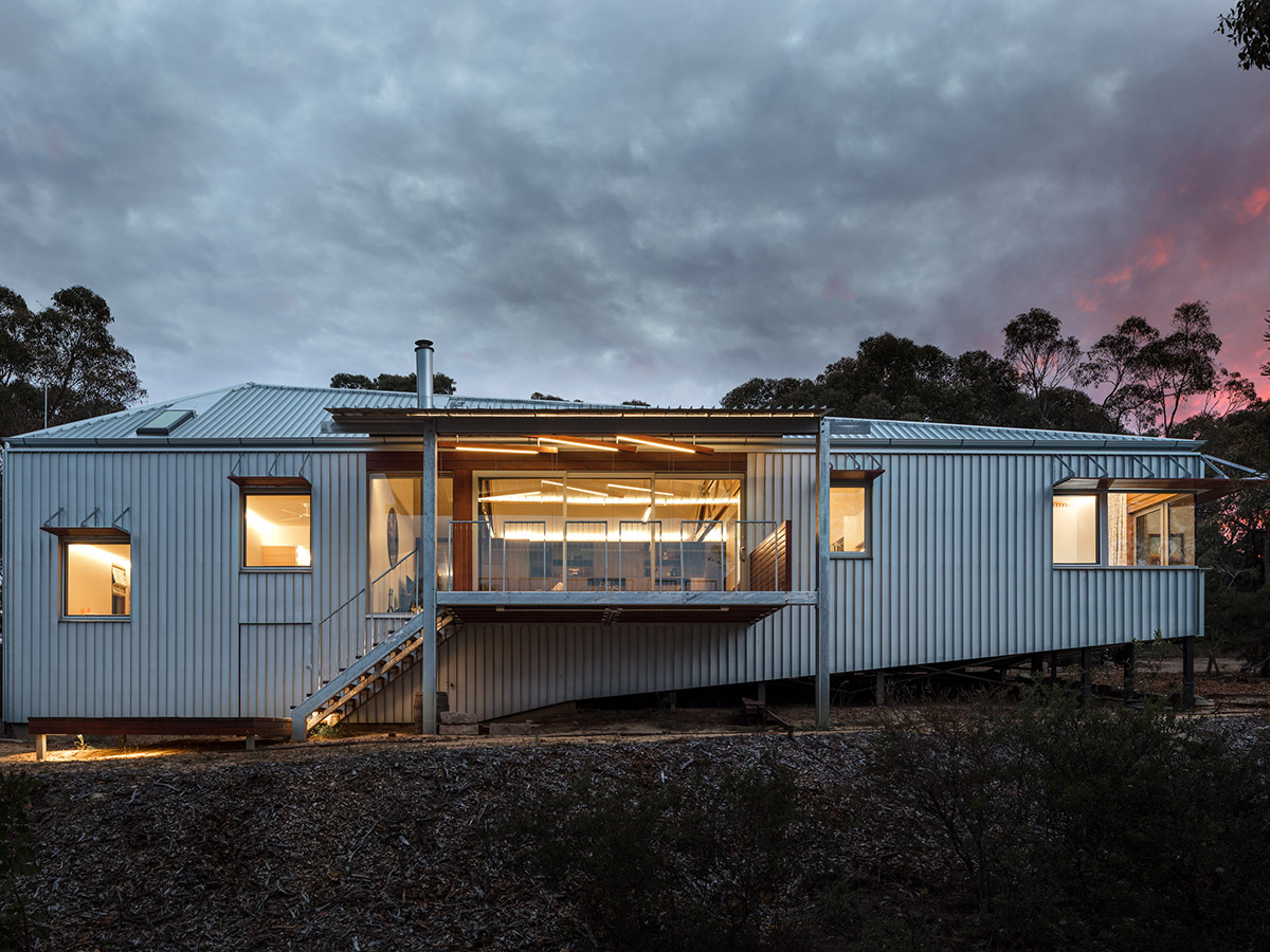 Perched on the eastern spur of Linden in the lower Blue Mountains, sat a project home partially completed in 2003. Image: Supplied