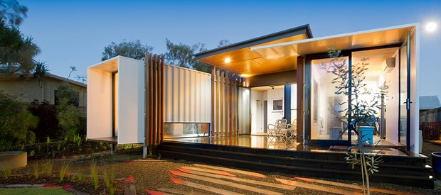 Shipping container house wins major architecture award for for Beach box house plans